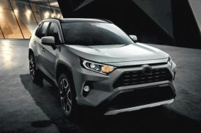 2020年丰田RAV4具有更高的价格,更好的技术和新的TRD越野套件